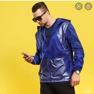 Under Amour Wind & Water resistance hooded jacket